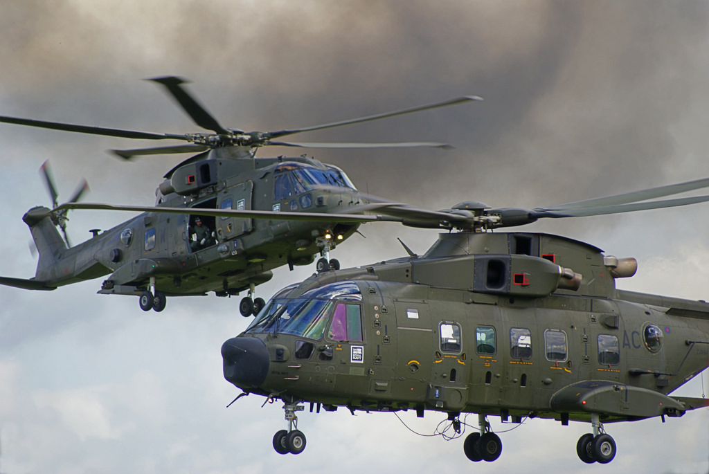 http://www.military-airshows.co.uk/photocomp/apr18/paulw.jpg
