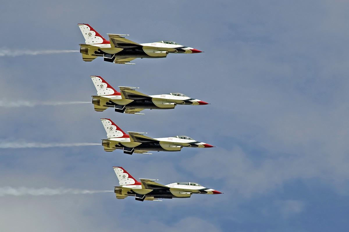 http://www.military-airshows.co.uk/photocomp/jan17/keithg.jpg
