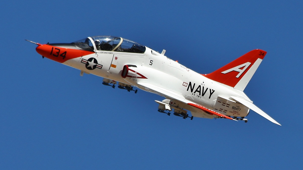 http://www.military-airshows.co.uk/photocomp/mar17/peterbu.jpg