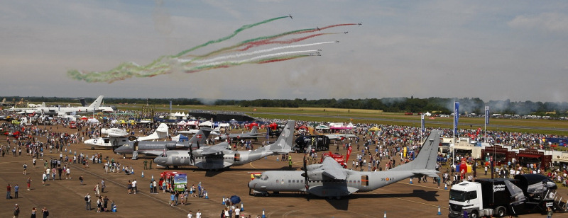 http://www.military-airshows.co.uk/press14/airtattoo2014c.jpg