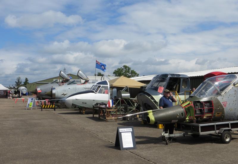 http://www.military-airshows.co.uk/press14/nam/02_14.06.14_c-festgeneralview.jpg