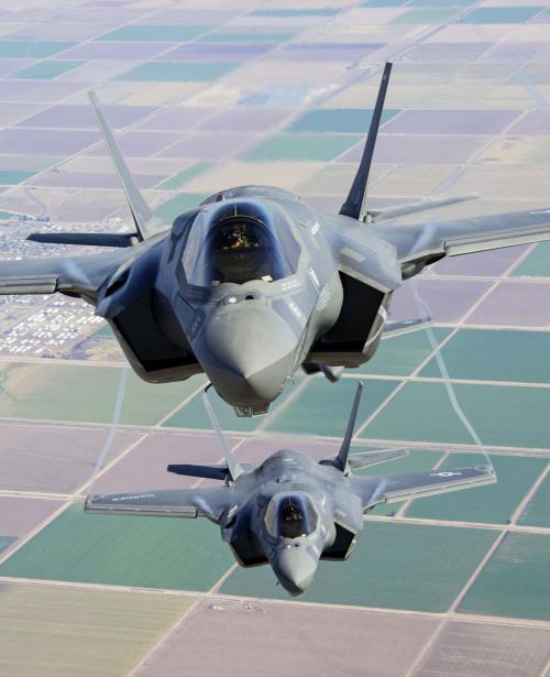 http://www.military-airshows.co.uk/press14/usmcf-35bs-creditusmarinecorps.jpg
