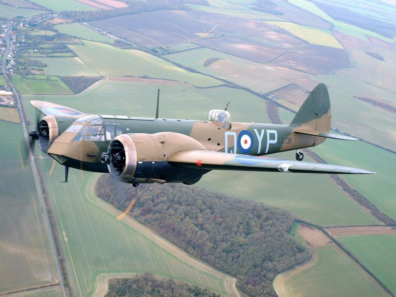 http://www.military-airshows.co.uk/press15/blenheim-jarrodcotter.jpg