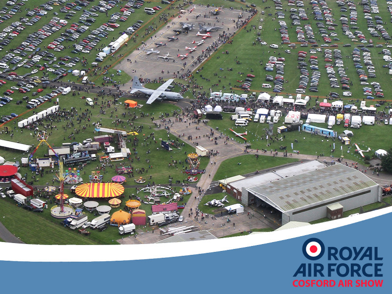 http://www.military-airshows.co.uk/press16/as16_overhead3_peterreoch.jpg