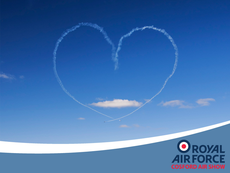 http://www.military-airshows.co.uk/press17/g_love_peterreoch.jpg