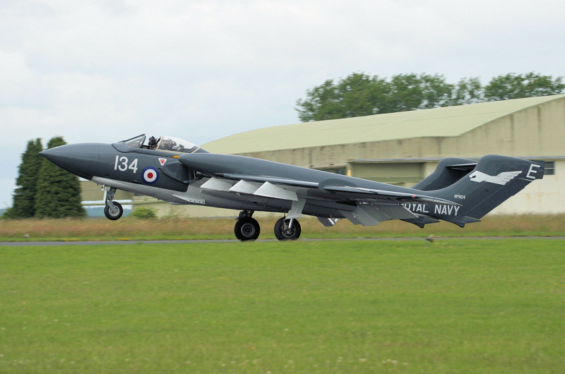 http://www.military-airshows.co.uk/press17/seavixen1.jpg