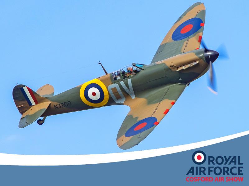 http://www.military-airshows.co.uk/press18/arco_spitfiren3200_darrenharbar.jpg