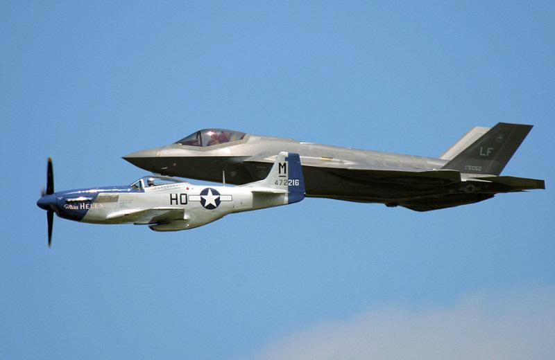 http://www.military-airshows.co.uk/press18/heritageflight.jpg