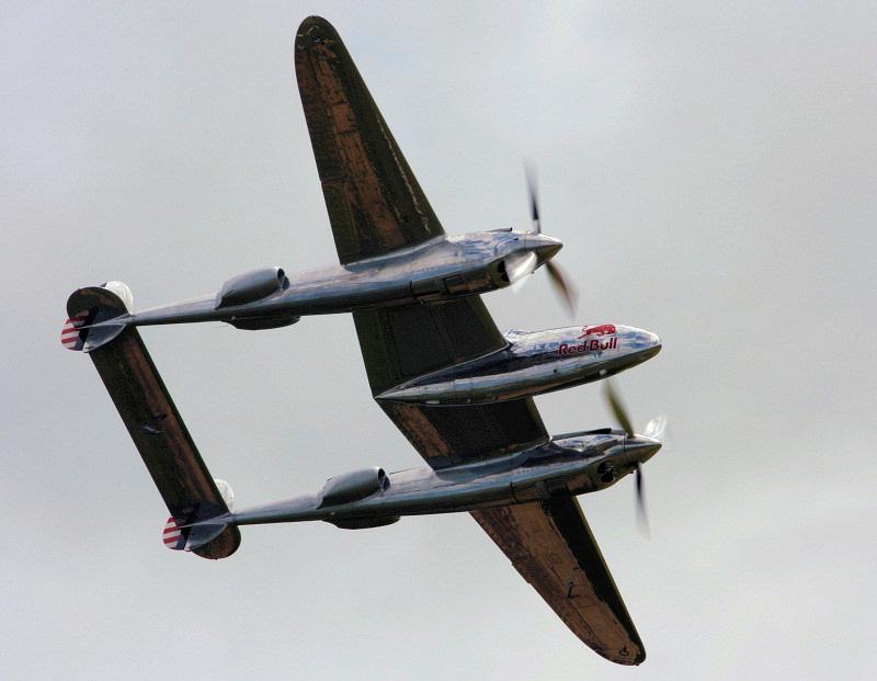 http://www.military-airshows.co.uk/press18/lightning.jpg
