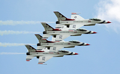Photo Competition - USAF Air Demonstration Squadron, the Thunderbirds at RAF Waddington Airshow 2011. Taken with a Canon 50D with 100-400L Canon lens - KAN