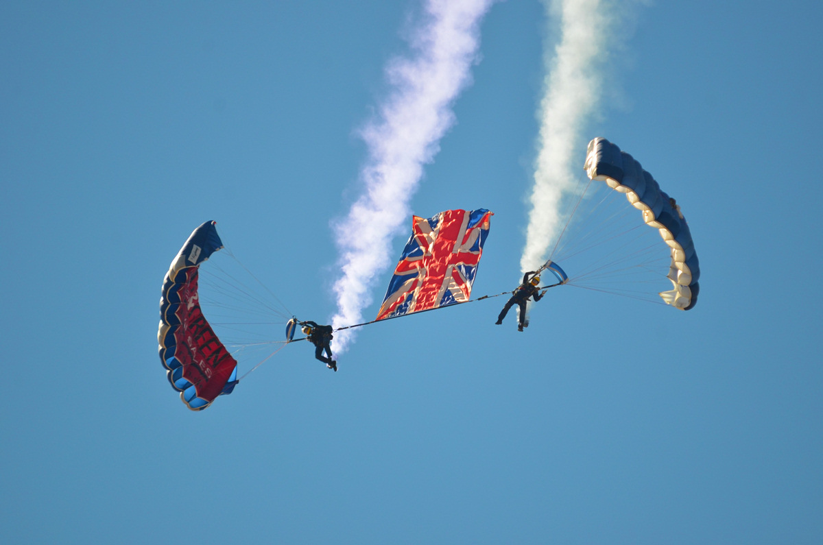https://www.military-airshows.co.uk/photocomp/oct19/andrewr.jpg