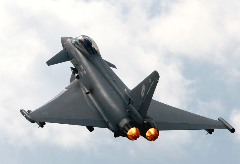 https://www.military-airshows.co.uk/photographs/kembleairday08/img_6816.jpg